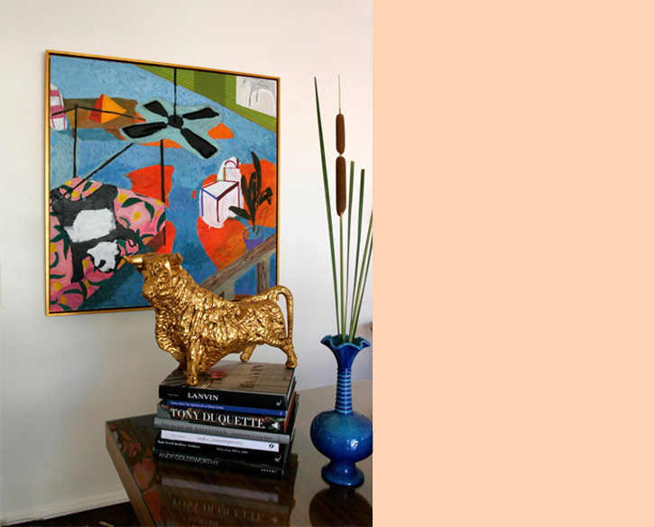 Decor voyeur an eclectic and bright home from laurel for Quirky interior accessories