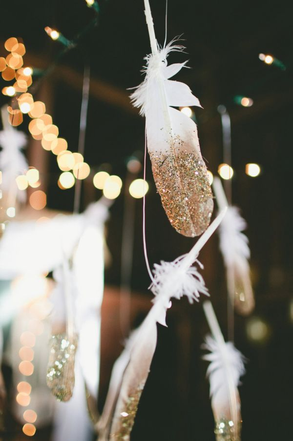 wedding decor gold feathers